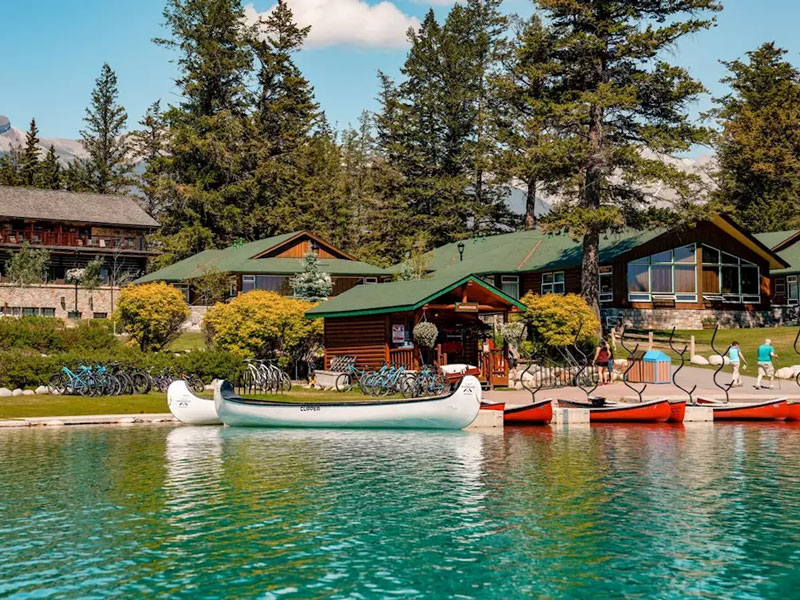 Calgary Stampede and the Canadian Rockies Train Tour | Fairmont Jasper Park Lodge