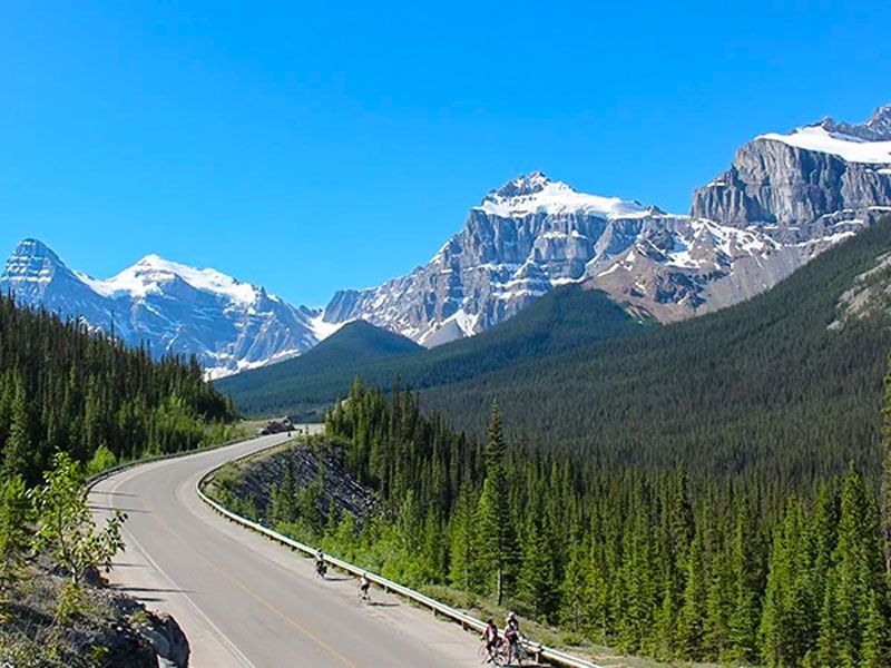 Canadian Railways to the Rockies | Icefield Parkway between Jasper and lake Louise