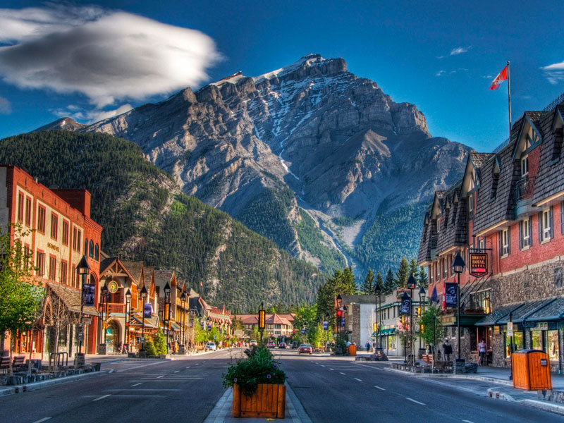 Canadian Rockies Scenic Delights by Road & Rail | Banff