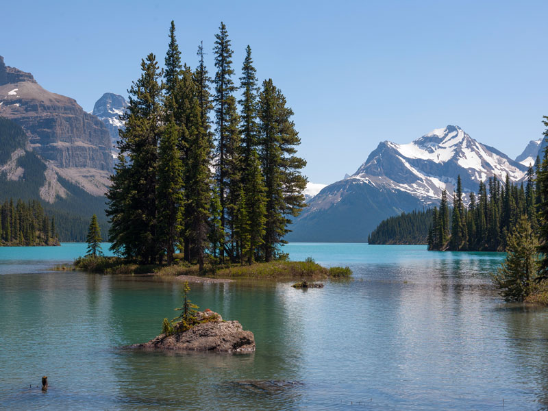 Whistler and the Canadian Rockies by Train Circle Tour | Maligne Lake Jasper
